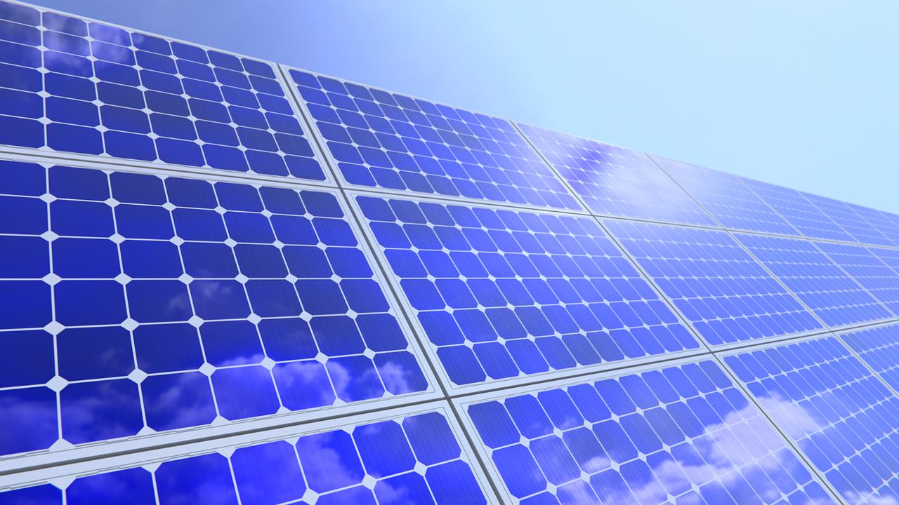 Energia z fotowoltaiki przekroczy niebawem 1 gigawata. Rynek foltowoltaiki rośnie.