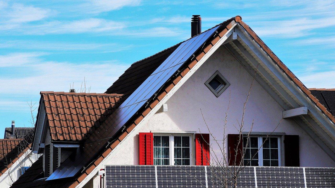 Prąd ze słońca - panele fotowoltaiczne - podstawowe informacje