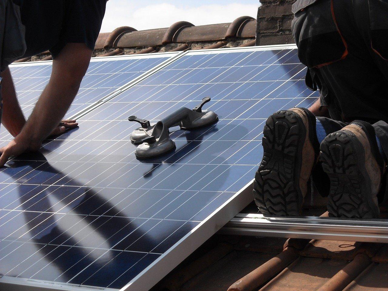Panele fotowoltaiczne Trina Solar - jakie mają zalety?