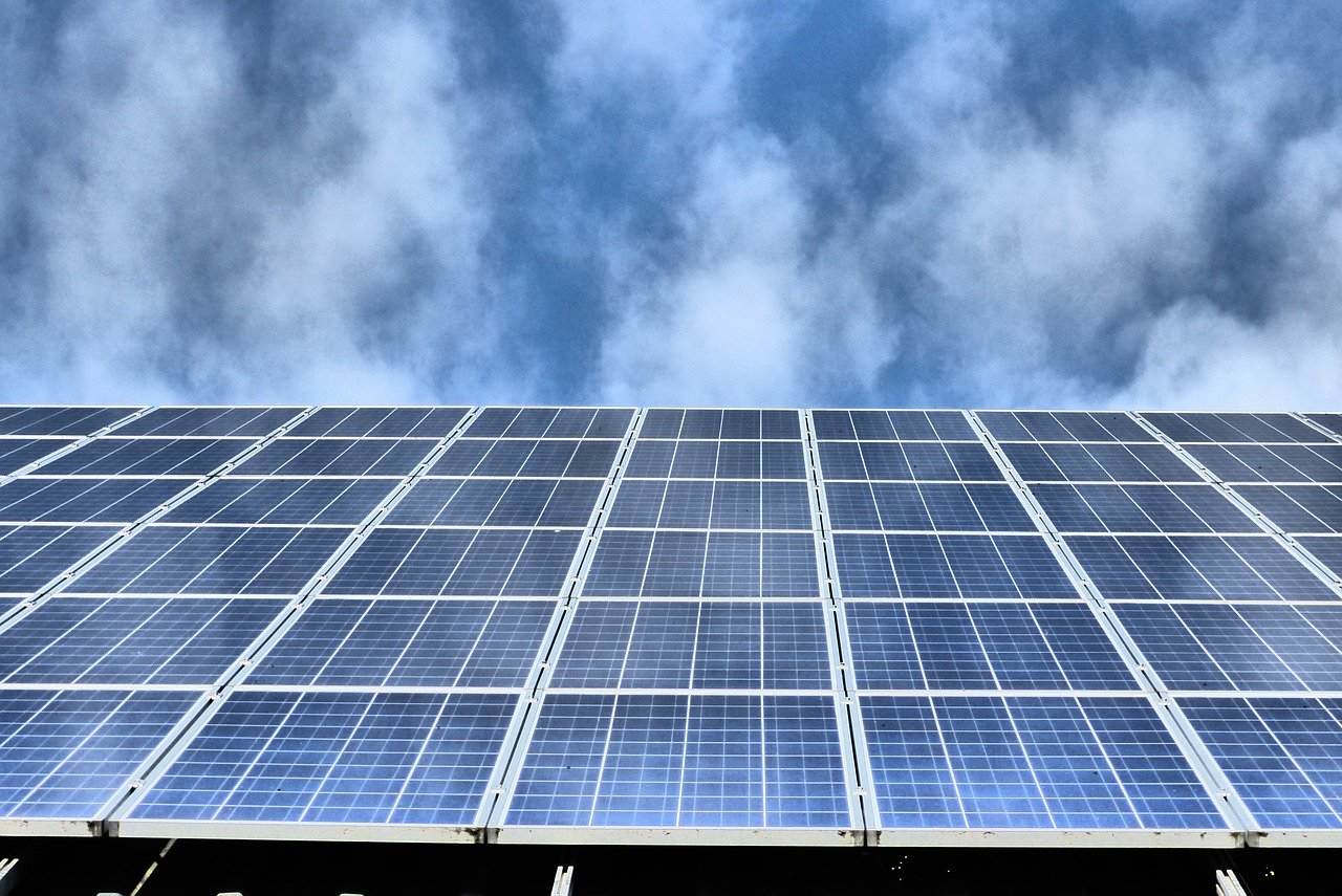 Jak dobrać akumulator do panelu słonecznego?